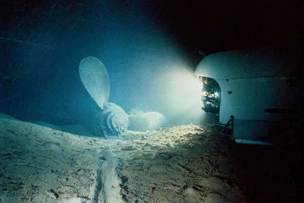 Titanic-Under-Water-Pictures