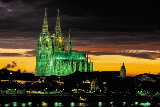 cologne cathedral germany photo 530x356 World tallest Churches