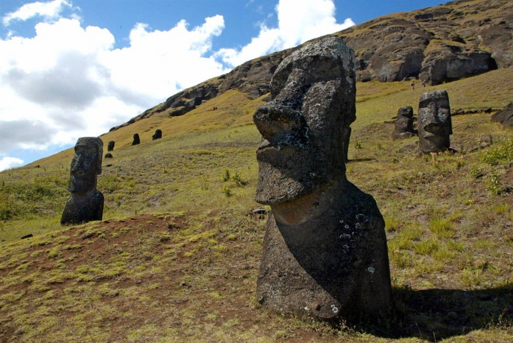 World-unsolved-Mystery-RapaNui-National-Park