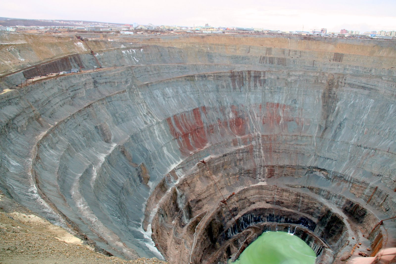 The_mine_in_Yakutia, mirny diamond mine, siberia