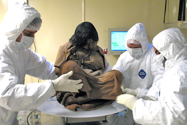 Girl-mummy