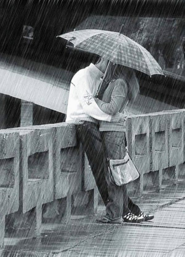 Romantic photos of kisses Rain Rain Lovers 